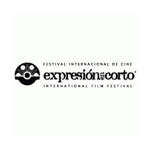 Expresion en Corto Logo